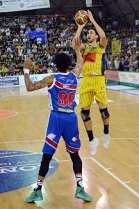 Givova Scafati Basket Vs Centrale del Latte Brescia SERIE A2 Playoff  2016 GARA 2 LNP Baldassarre vs Hollis