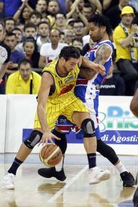 SERIE A2 Semifinale Playoff  2016 GARA 5   - Givova Scafati Basket Vs Centrale del Latte Brescia Baldassarre vs Hollis
